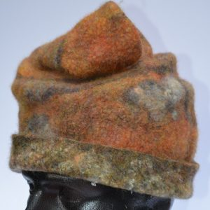 Rust-coloured hat